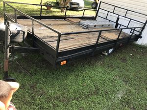 Nice trailer pools good lights work everything on it's good for Sale in Wimauma, FL