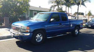2003 Sierra Chevy Silverado título limpio for Sale in Paramount, CA