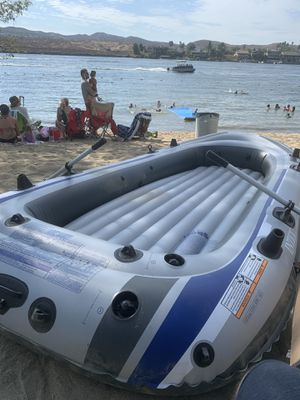 Intex excursion 5 inflatable boat for Sale in Menifee, CA