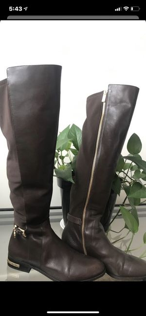 Michael Kors Brown boots size 8 for Sale in Everett, MA