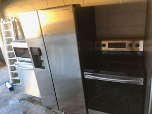 BRAND NEW SAMSUNG STAINLESS STEEL KITCHEN APPLIANCES for Sale in Sebring, FL