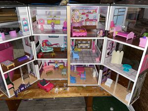 Folding Dollhouse with furniture for Sale in La Vergne, TN