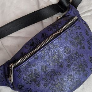 Loungefly : Haunted Mansion Crossbody Bag for Sale in Olympia, WA