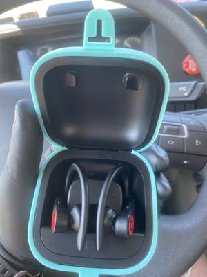 Beats headphones local pick up only for Sale in Paterson, NJ