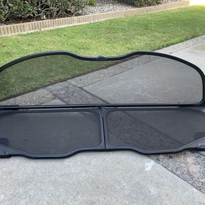 Infiniti G37 Windscreen - Mint Condition! for Sale in Westminster, CA