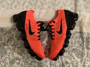 Nike Air Vapormax Flyknit 3 for Sale in Los Angeles, CA