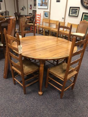 Vintage country table and chairs for Sale in Jacksonville, NC