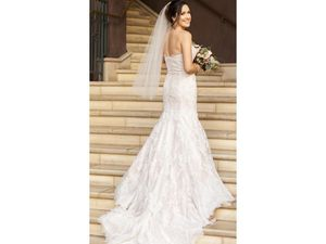 Simone Carvalli wedding dress size 4 for Sale in Fremont, CA