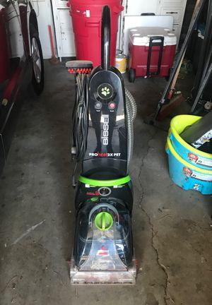 Bissell pro heat 2X pet shampooer with built-in heater for Sale in Pasadena, CA