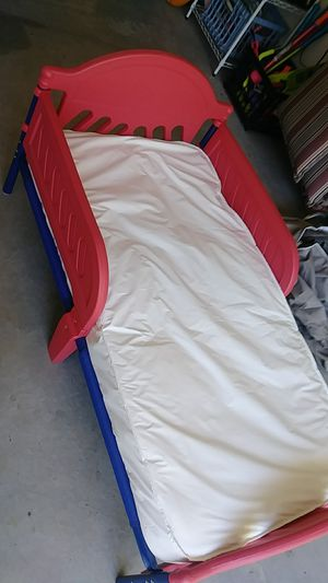 Juvenile bed w/mattress for Sale in Central Lake, MI