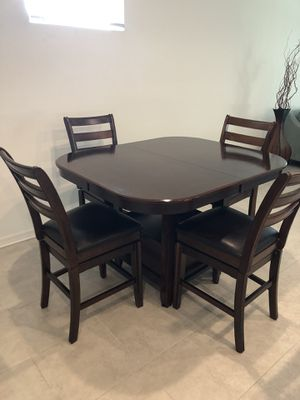 Dinner Table and 4 Chair table could expand more if you need it for Sale in Riverview, FL