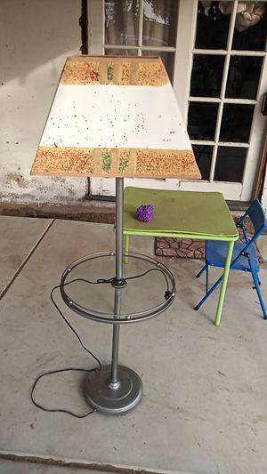 Floor lamp (San Bernardino) for Sale in San Bernardino, CA
