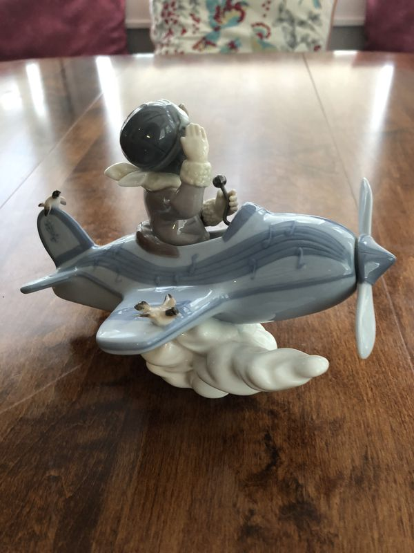 """Lladro Figurine """"Over the Clouds"""" Blue Boy Airplane Porcelain 5697 Mint Condition"""