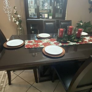 Dinning Table for Sale in Exeter, CA