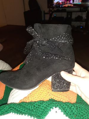 Super cute girls boots size 2 for Sale in Bakersfield, CA