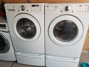 LG tromm washer and dryer electric for Sale in Phoenix, AZ