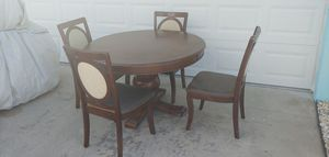 Round Wood Kitchen or Dining Table and 4 chairs Fair Condition for Sale in Seminole, FL
