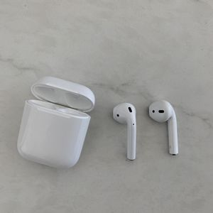 Immaculate AirPods (1st Gen) for Sale in San Diego, CA