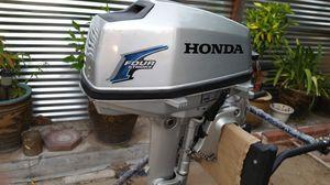 honda 5hp outboard. Boat motor for Sale in Sacramento, CA