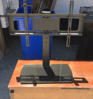 """32-65"""" tv stand with swivel for Sale in Santa Margarita, CA"""