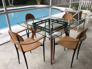 Kitchen Table and 4 Chairs for Sale in Pembroke Pines, FL