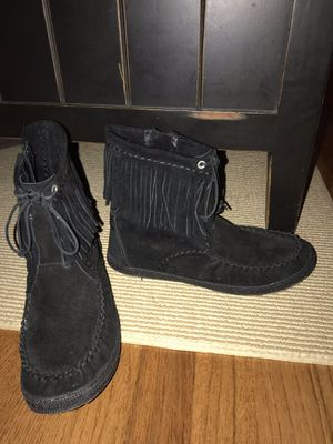 New! Women's 8 UGG fringe booties for Sale in Smyrna, TN