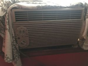 Window ac. A little dusty but works great 65$. Delivery is extra for Sale in Detroit, MI