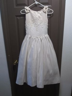 Mary's import bridals Flower girl or communion dress sz 10 for Sale in Spokane Valley, WA