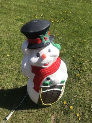 """Vintage Christmas Snowman Blow Mold Carrot Nose TPI Sled Light Up Yard Decor 40"""". for Sale in Elgin, IL"""
