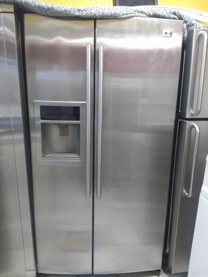 LG Fridge/Refrigerador for Sale in Compton, CA