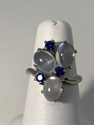 14KT WHITE GOLD MOONSTONE RING SIZE 5 for Sale in Joliet, IL