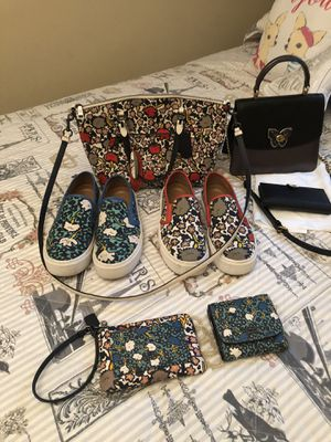 Genuine Coach Gorgeous Purses with matching wallets and Shoes for Sale in Alpharetta, GA