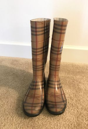 Burberry rain boots Women Size 7 for Sale in Riverdale, MD