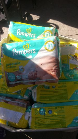 Pampers preemie swaddled 12 packs (180 unit) for Sale in Los Angeles, CA