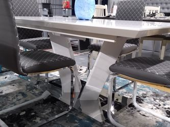 5 Pcs Dining Set On Sale $799 for Sale in Kissimmee,  FL
