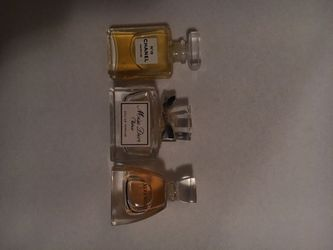 Chanel, Dior and Vera wang mini perfume set for Sale in Portland,  OR