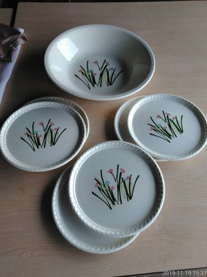 Fine Ceramic Large Serving Bowl N 6 Plates for Sale in Clovis, CA