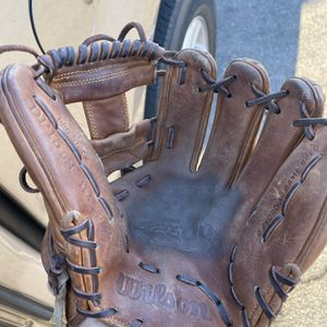 Wilson A2000 DP15 Baseball Glove 11.5 for Sale in Norwalk, CA
