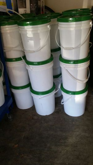 COMMERCIAL BUCKETS OF GAIN. for Sale in Bowie, MD
