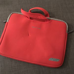 Laptop and mouse hangbag for Sale in Tempe, AZ