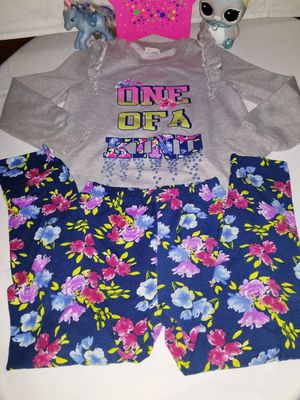 🍃🌷 girl suit size 7 years in excellent condition 🌷🍃 for Sale in Portland, OR