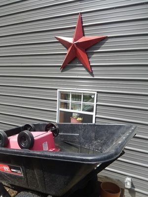 Large Red Star for Sale in Le Roy, MI