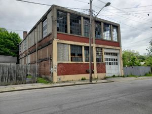 For sale / lease storage building 8,000 sq.ft for Sale in Brooklyn, NY