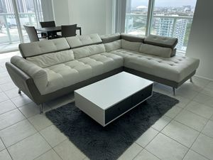 Sectional 2 pieces white/grey couch for Sale in Miami, FL