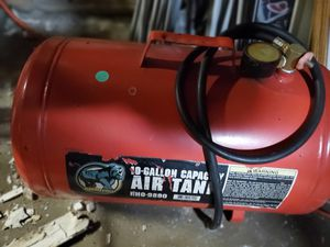 10 gallon air Tank with hose to connect to compressor for Sale in Croydon, PA