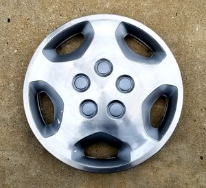 "1992-1995 Toyota pickup truck 14"" hub cap, wheel cover OEM part # 42621-35220 for Sale in Dallas, TX"
