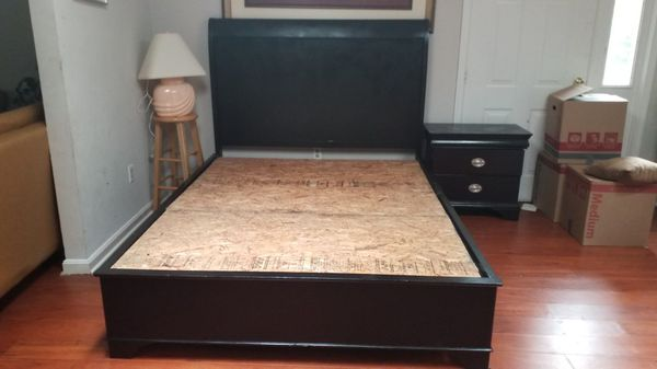 USED QUEEN BED WITH NIGHT STAND