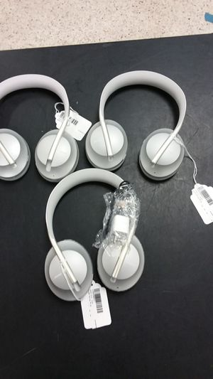 Bose 700 Noise canceling headphones for Sale in NEW PRT RCHY, FL