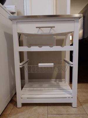 Kitchen cabinet for Sale in Long Beach, CA