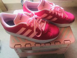 Hot pink adidas size 4 for Sale in Queens, NY